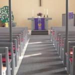 Offene Kirchentür Niederissigheim